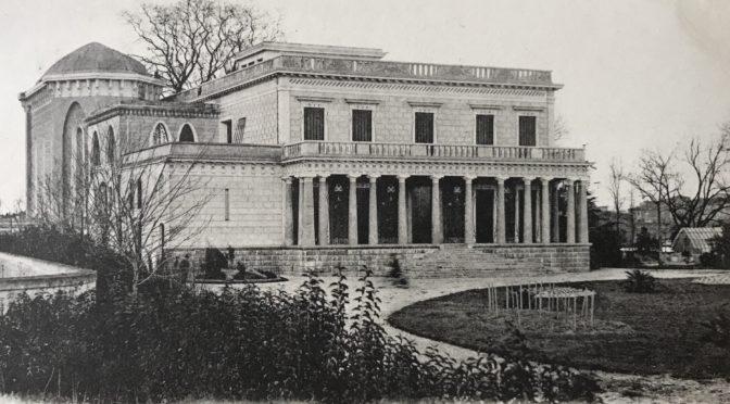 La villa Laurens, un château cathare à Agde autour de 1900